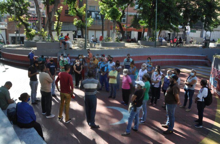 Varguenses protestan por mal servicio de telefonía e Internet