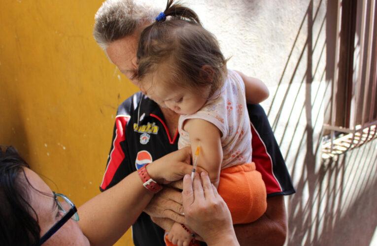 Por deuda Venezuela no puede obtener vacunas de la OPS
