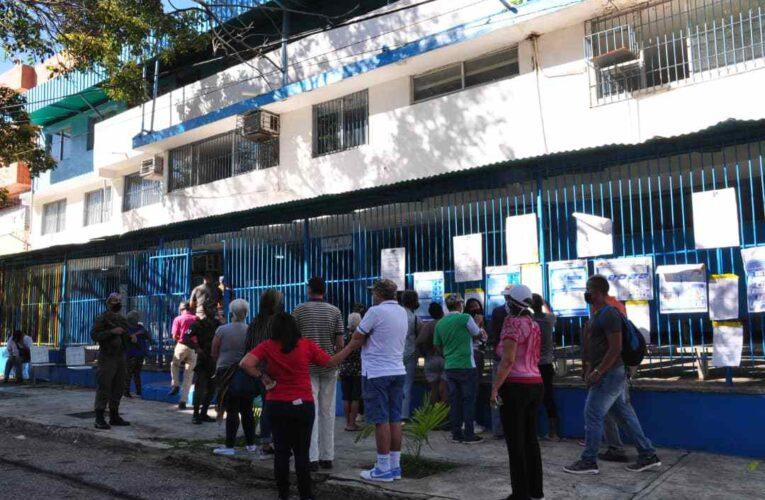 Muchos electores fueron cambiados de centros de manera inconsulta