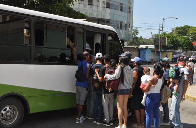 Caos en el transporte público afecta a buseteros y usuarios