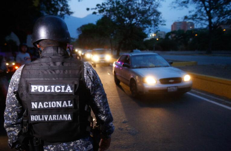 Maduro admitió que funcionarios de la PNB secuestran y roban