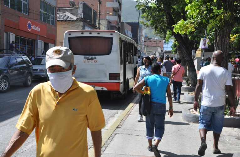 Julio Castro: Se hacen esfuerzos por traer vacunas del covid a Venezuela