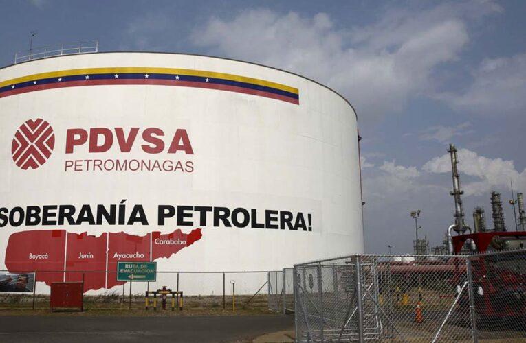Venezuela recibió menos de $500 millones por su petróleo en 2020