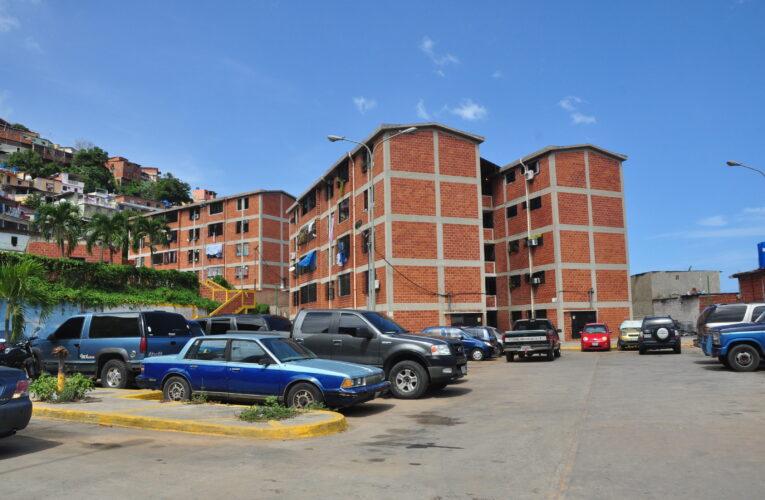 En Simetaca obligan a pagar entre $100 y $800 por títulos de propiedad