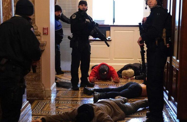 Una mujer fue muerta en asalto al Capitolio