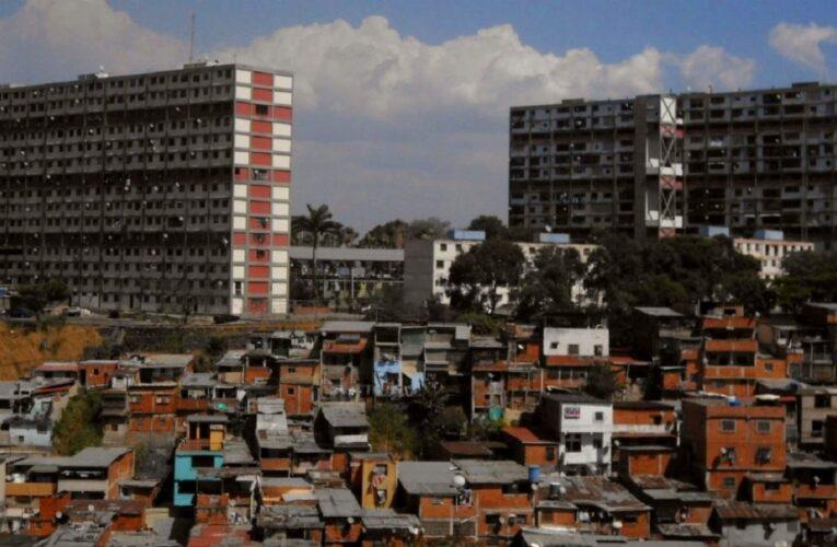 Reportan detonaciones en Caracas
