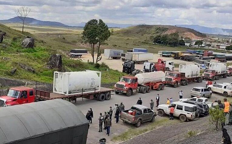 Llegan a Manaos los camiones con el oxígeno donado por Maduro