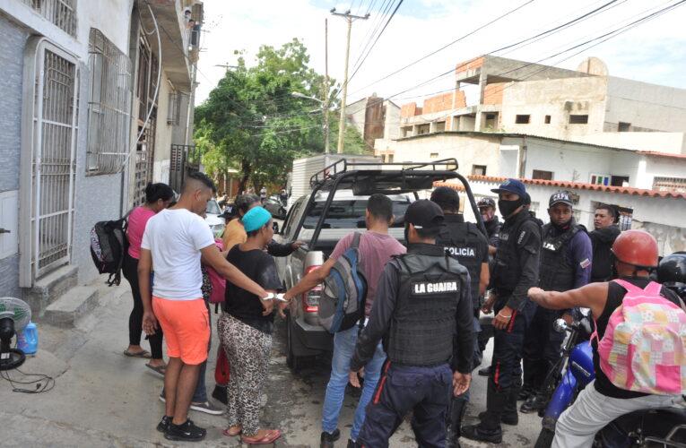 Policía de La Guaira abortó invasión en Catia la Mar