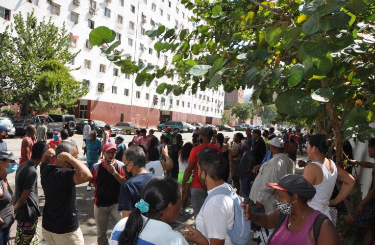 Vecinos rechazan reubicación de informales en Caraballeda