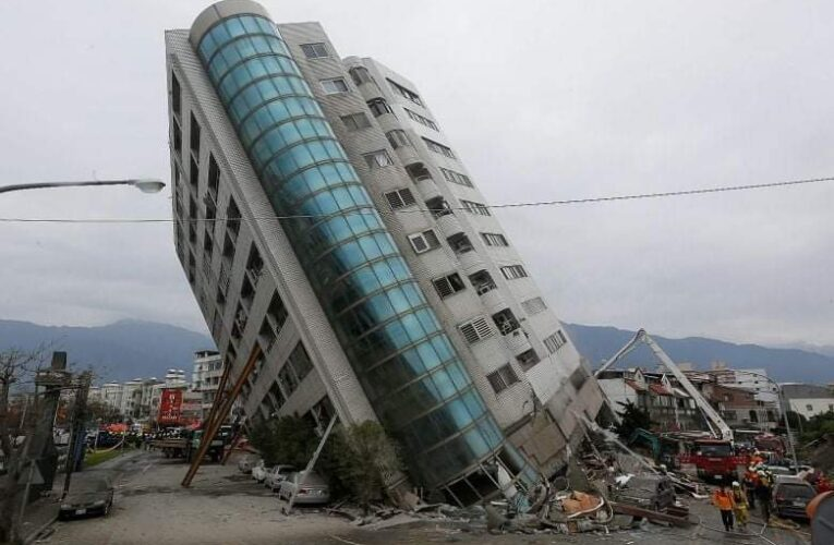 Al menos 46 muertos por sismo en Indonesia
