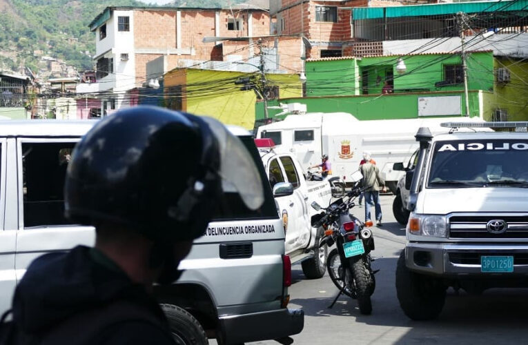 Al menos 15 muertos en la toma de La Vega por las FAES
