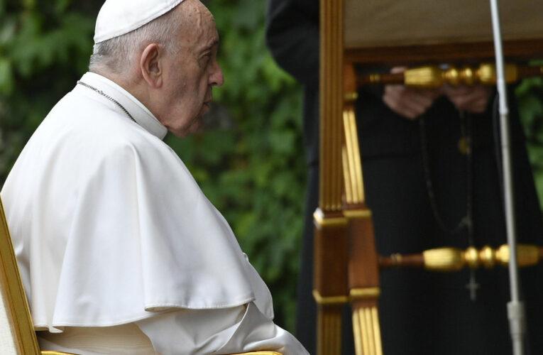 Muere por covid el médico personal del Papa