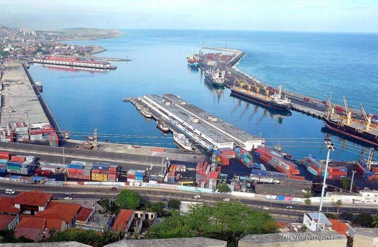 Aduaneros denuncian retraso en trámites para nacionalizar