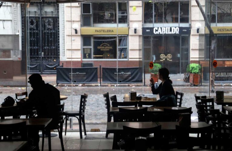 Ola de calor deja sin luz a 30 mil argentinos