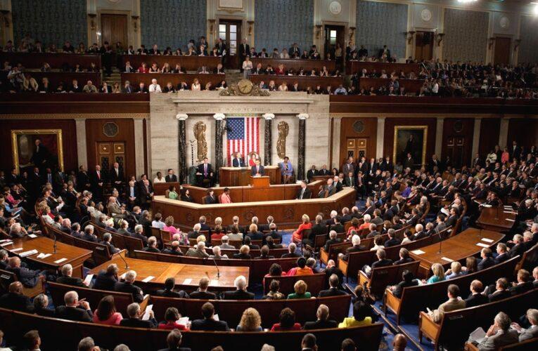 Congreso pide destitución de Trump pese al rechazo de Pence