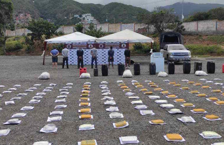 Incautan 1.675 panelas de marihuana en Chichiriviche
