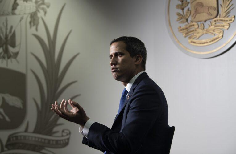 Rodríguez llama a investigar a Guaidó y diputados opositores