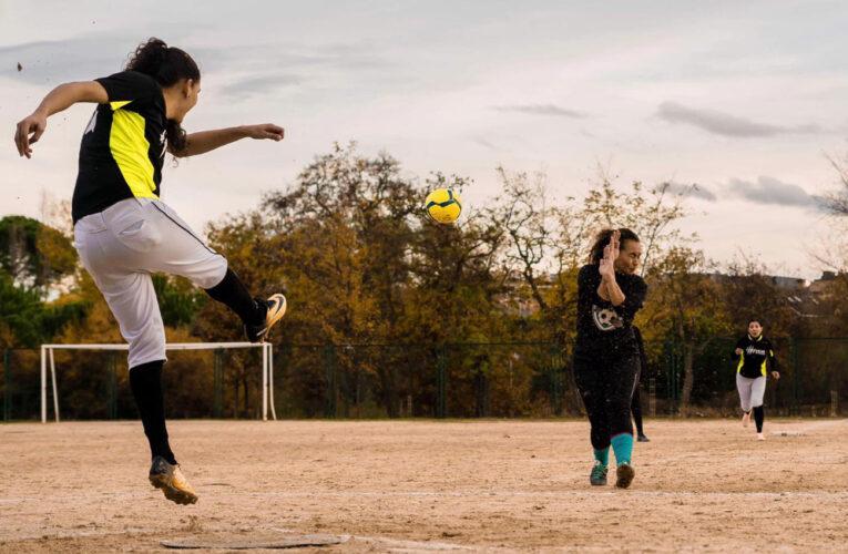 Arranca liga de kickingball guaireño