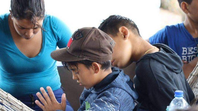 9 niños venezolanos siguen detenidos en Trinidad