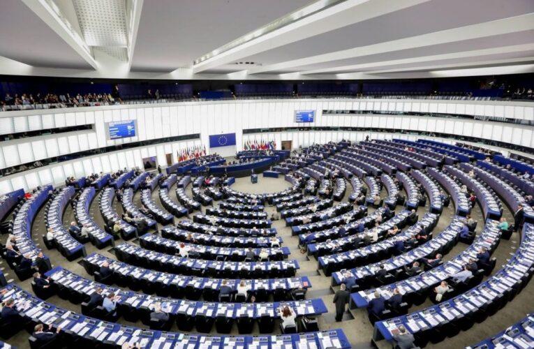 Europarlamento reconoce a la AN del 2015 como única legítima