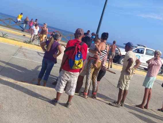 Protestan en Playa Verde por agua, gas y comida