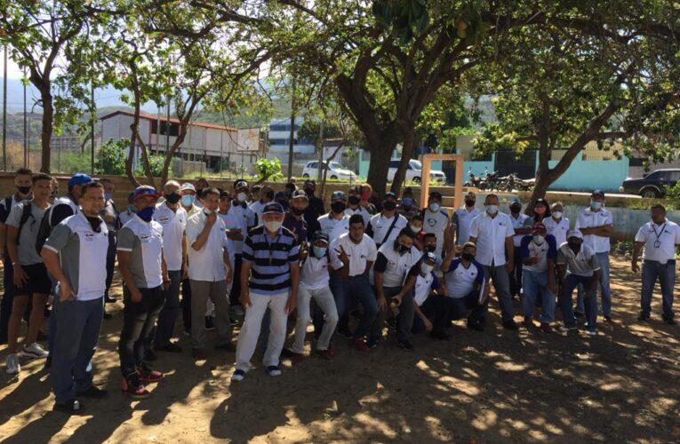 77 trabajadores de Sky Chefs pasan hambre por falta de pago