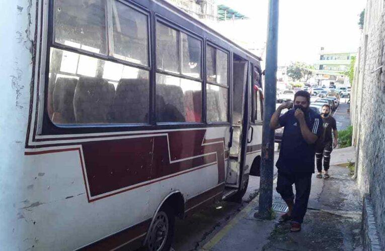 Transportistas piden abastecimiento diario de gasolina