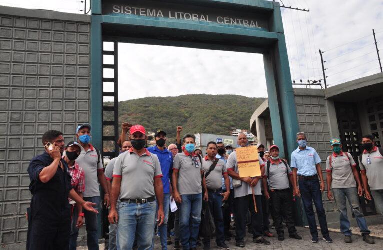 Trabajadores de Hidrocapital protestaron para exigir beneficios