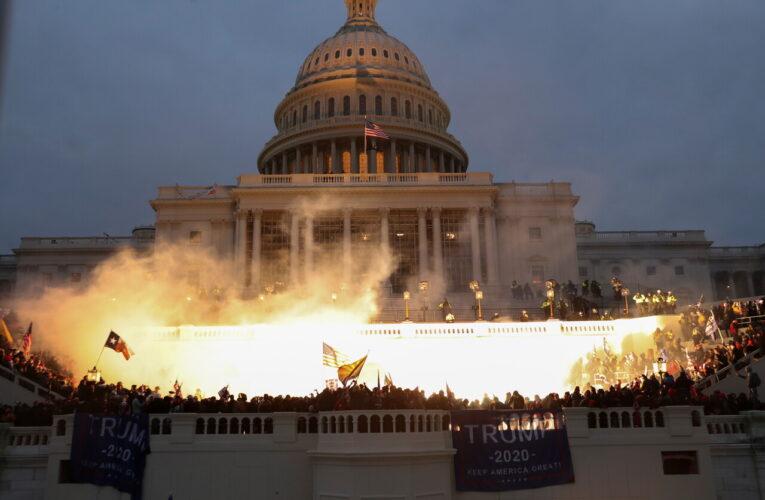 "Acusan a Trump de ""incitador en jefe"" del asalto al Capitolio"