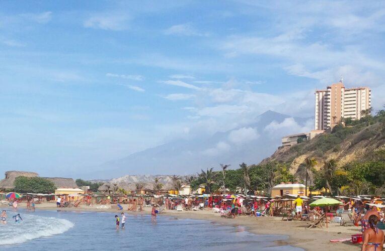 Disfrutar de la playa en La Guaira puede costar $7