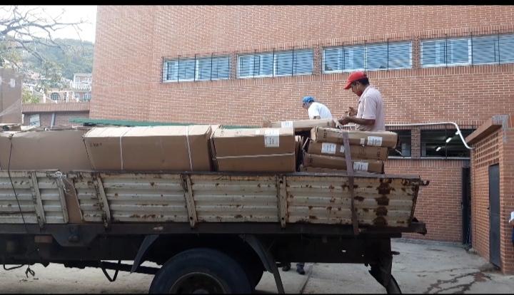 Llegaron 40 camas clínicas al Periférico de Pariata