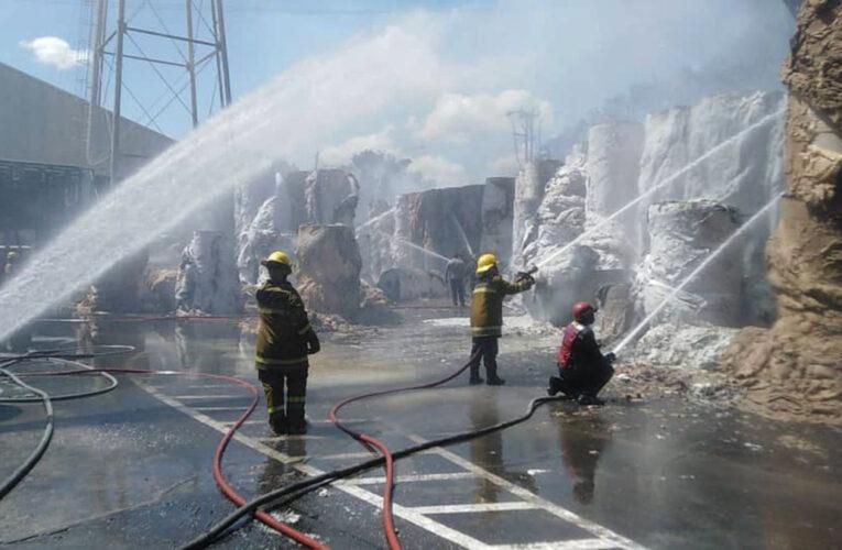 Se incendió fábrica Paveca en Carabobo