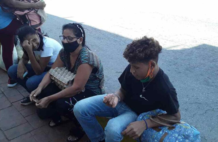 Plantón de más de una hora para ir o salir de Tanaguarena