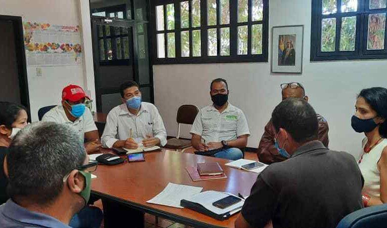 Fijan ruta para rehabilitar 61 planteles educativos