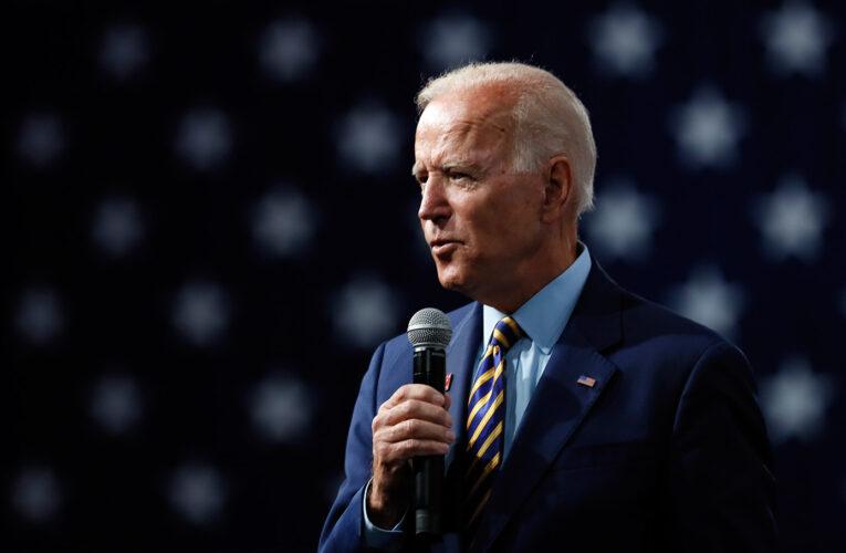 """Biden reconoce que la """"democracia es frágil"""" tras la absolución de Trump"""
