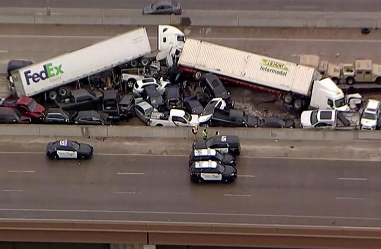 Choque de más de 100 vehículos deja cinco muertos en Texas