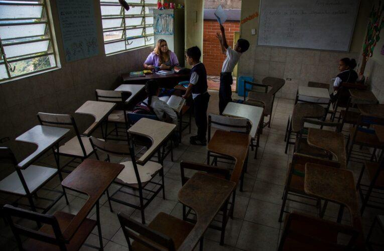 «Regreso a clases viola artículos 8, 10 y 11 del Estado de Excepción»