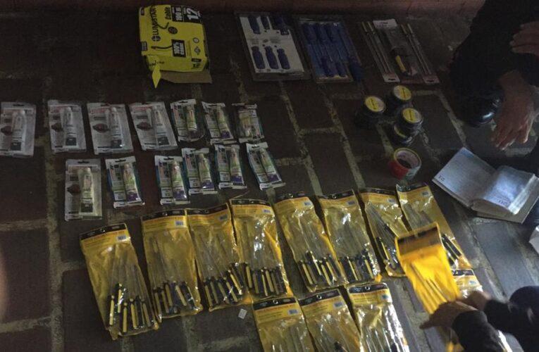 4 detenidos por hurtar herramientas de una ferretería