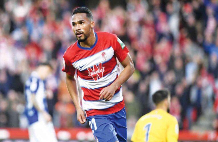 Granada sorprende y avanza en Europa League