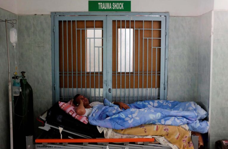 Médicos: Tras un año de pandemia la salud sigue en terapia intensiva