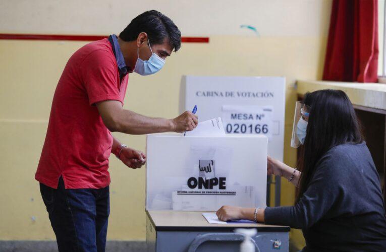 Perú impedirá votar a quienes tengan fiebre