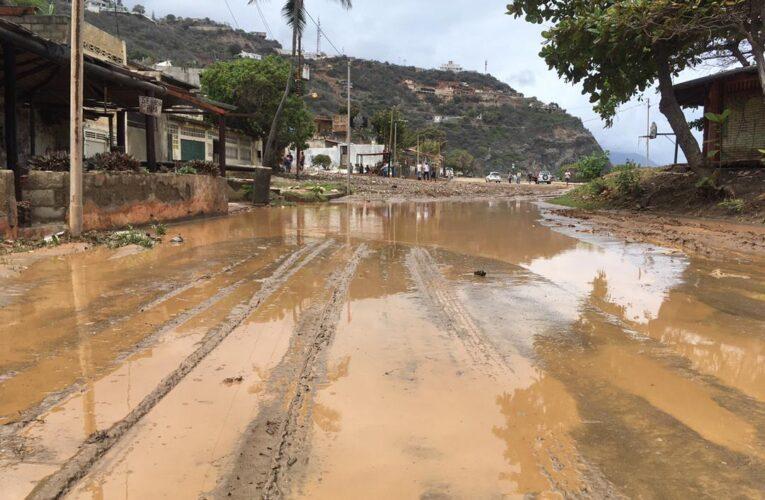 Fuertes lluvias causaron estragos en Las Salinas
