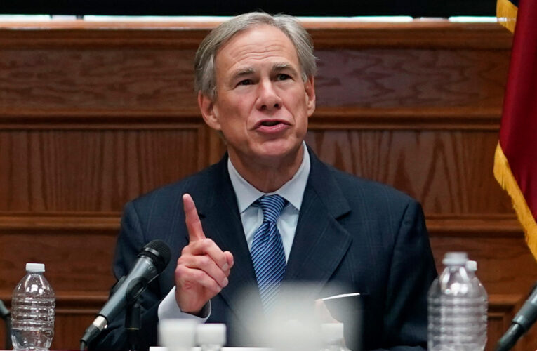 """Texas revoca todas las restricciones: """"Está 100% abierto"""""""