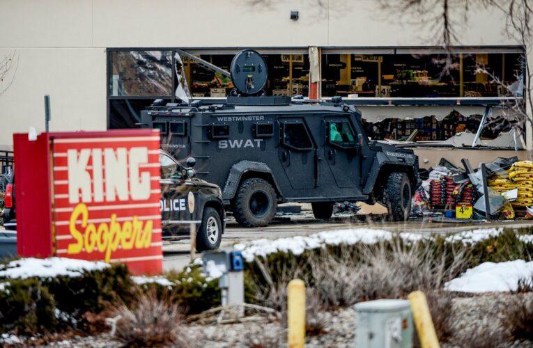 10 muertos en tiroteo en supermercado de Colorado
