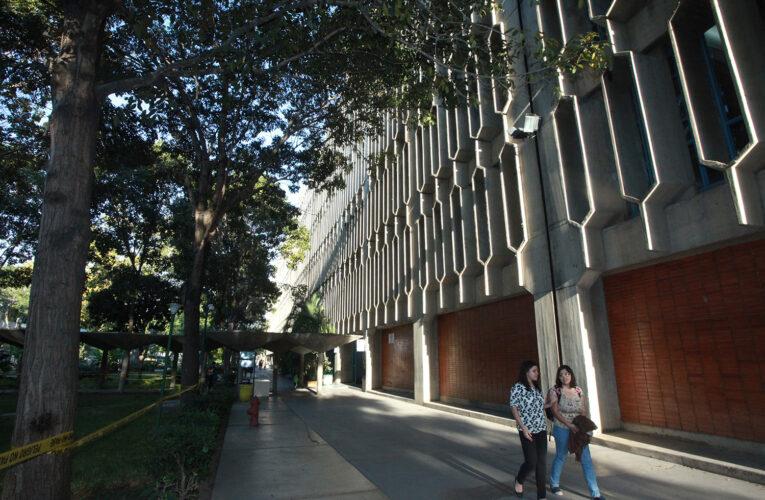 Profesores de la UCAB podrán ganar unos $400