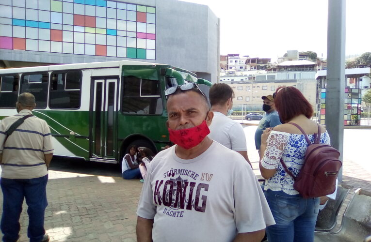 """""""Usuarios pueden llegar a Caracas pero les exigen el salvoconducto"""""""