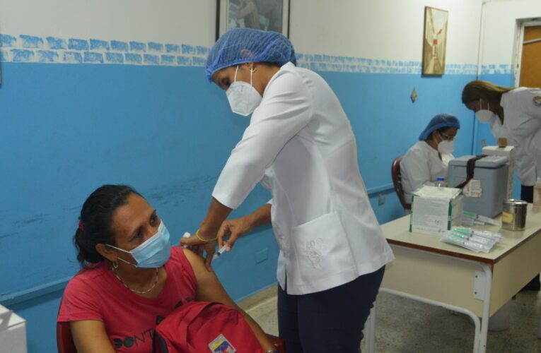 550 trabajadores de la educación han sido vacunados