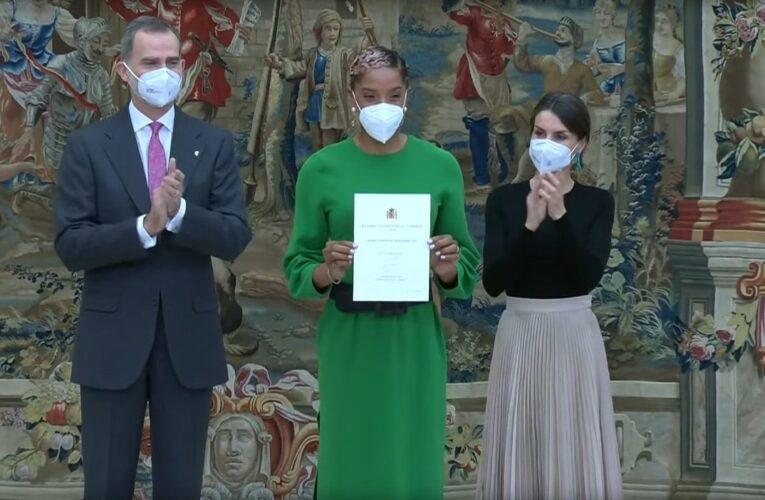 Reyes de España otorgan premio a Yulimar Rojas