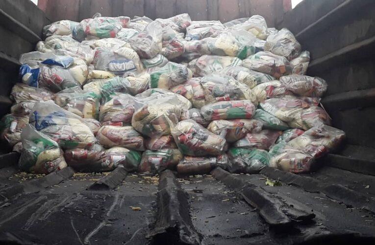 A La Sabana llegó la bolsa Clap en un camión de basura