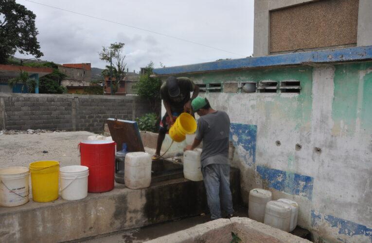 OVSP: Solo 25% de los venezolanos recibe agua por tubería
